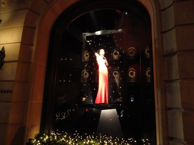 CHRISTMAS WINDOWS MADISON AVE 2011 054