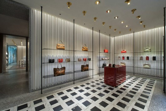 Valentino s new store opening in milan for Valentino via turati milano